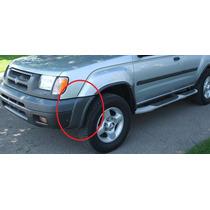 Moldura Izquierda En Facia Defensa Nissan Xterra 2000 - 2001