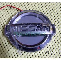 Emblema Nissan Iluminado