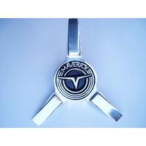 Maverick Centro De Rin Metalico Aspas Emblema Toma