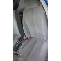 Asientos Delanteros Nissan Tiida Color Beige.