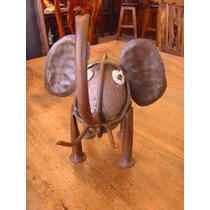 Figura De Elefante De Piedra Y Hierro. Estilo Antiguo.
