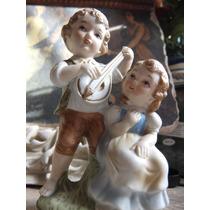 Par De Figuras Niños Musicos Fabricadas En Porcelana