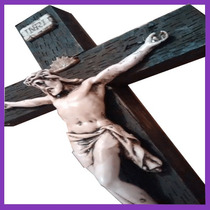 Cristo Estilo Rustico De Resina Y Madera Hecho A Mano Oferta