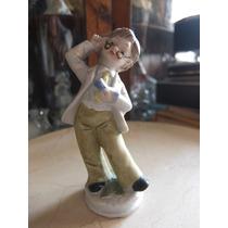 Figura De Porcelana De Niño Con Lentes
