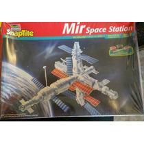 Cohetes, Misiles Y Estaciones Espaciales