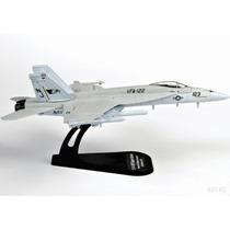 Italeri Die Cast Avion Fa18e Super Hornet 1/100 C/ Exhibidor