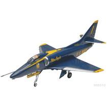 Revell Avion A-4 Skyhawk Blue Angels 1/48 Armar/ No Tamiya