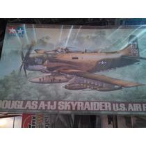 Avion De Apoyo A1 J Douglas Sky Raider Tamiya Escala 1/48