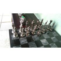 Ajedrez De Metal Con Tablero De Mármol. 2381440301