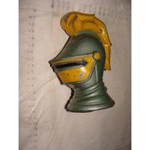 Alcancia En Forma De Casco Medieval , De Metal , Del Banco D