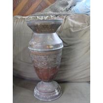 Antiguo Florero De Bronce Muy Bonito, Mide 40cm De Alto