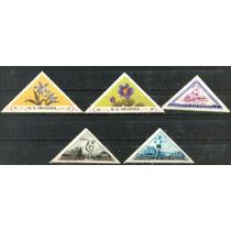 2722 Triangulares Dif Países 5 Sellos Mint N H Modernos