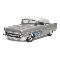 Revell 85-4251 1/25 ´57 Chevy Bel Air Two-door Sedan 2´n1