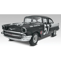 Revell 85-4240 1/25 ´57 Chevy 150 Sedan Blackwidow 2´n1
