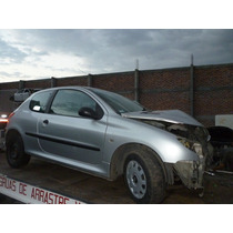 Peugeot Mod. 2006 Version 206 Accidentado........