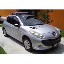 Peugeot 207 2011, Compact Millesim 200 Motor, 1.4, Plata