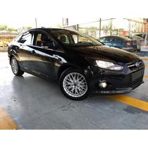 Ford Focus 4p Trend Sport L4 2.0 Aut 2014