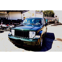 Jeep Liberty 5p Sport Aut 4x4 2010