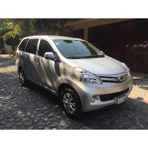 Toyota Avanza Premium 2013 Seminueva
