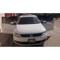 Volkswagen Jetta 4p Style 2.5 Aut B/a 2014