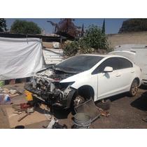 Honda Civic Chocado Por Partes