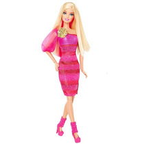 Barbie Fashionistas Doll - Vestido Rosado De La Chispa Con L