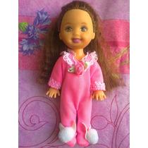 Kelly Vestida Con Pijama