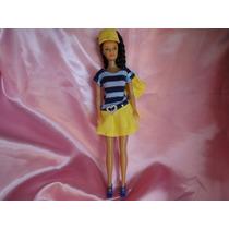 Ropa Para Barbie Varios Modelos + Un Par De Zapatillas
