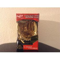 Mini Guante De Oro De Beisbol Trofeo Adorno.
