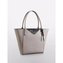 Bolsa Calvin Klein Gris - Saffiano Leather Large Winged Tote
