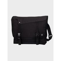 Victorinox Messenger Bag Color Negro Muy Práctica Y Útil !!!