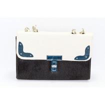 Bolsa Rectangular Negra Con Detalles Blancos B01