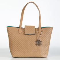 Bolsa Moderna Con Textura Capitonada