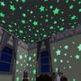 100 Estrellas Fluorescentes 3 Cm Con Pegatina