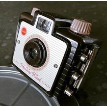 Antigua Camara Kodak Brownie Holiday Flash Baquelita 1950s