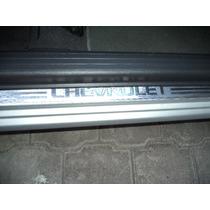 Moldura Cubre Estribo Delantero En Alumino Chevrolet Aveo