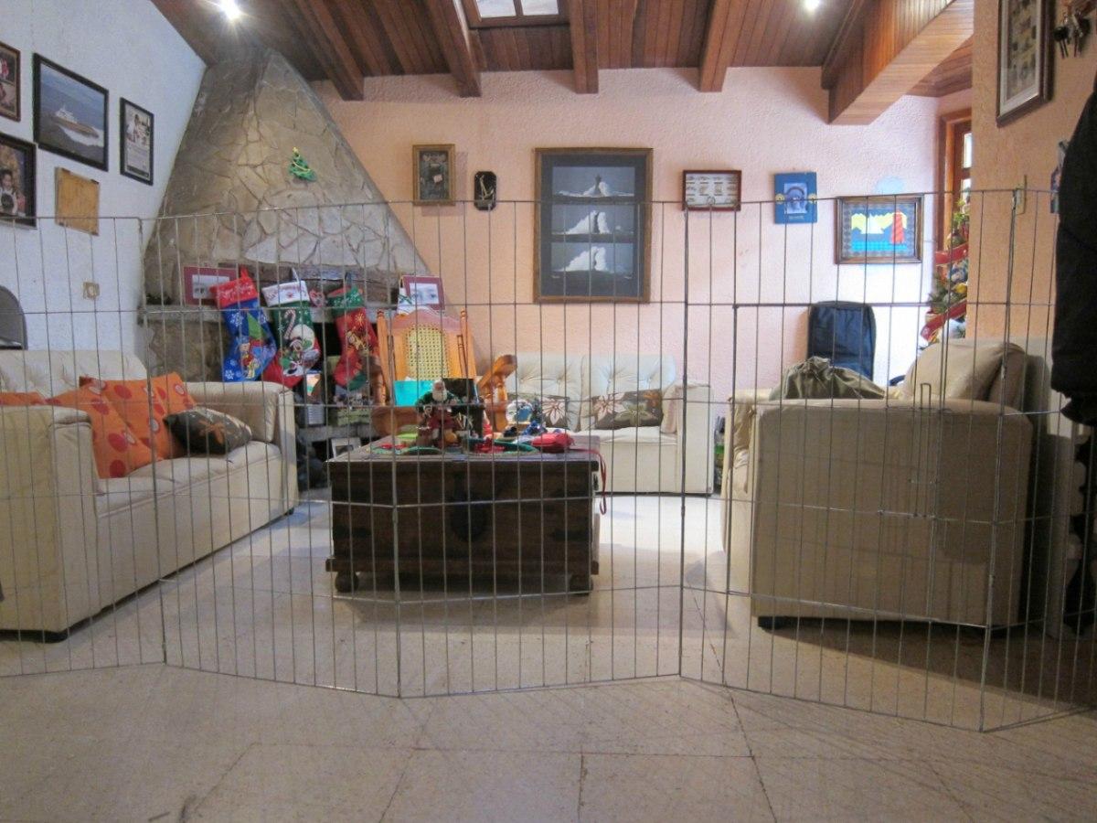 Casa para perros interiores razas peque itas pictures to for Vallas para perros en casa