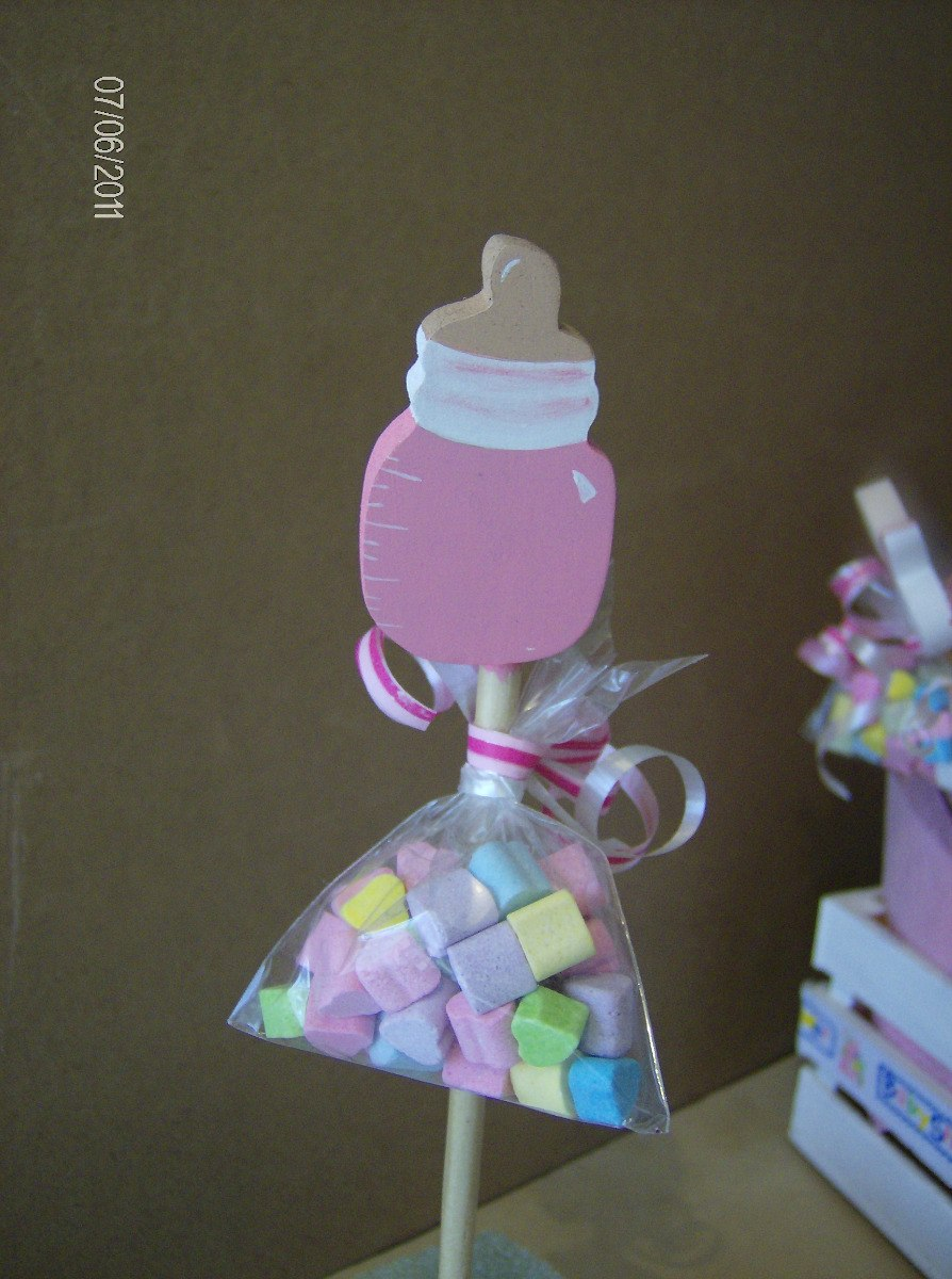Centros de mesa para baby shower con brochetas imagui for Centro de mesa baby shower