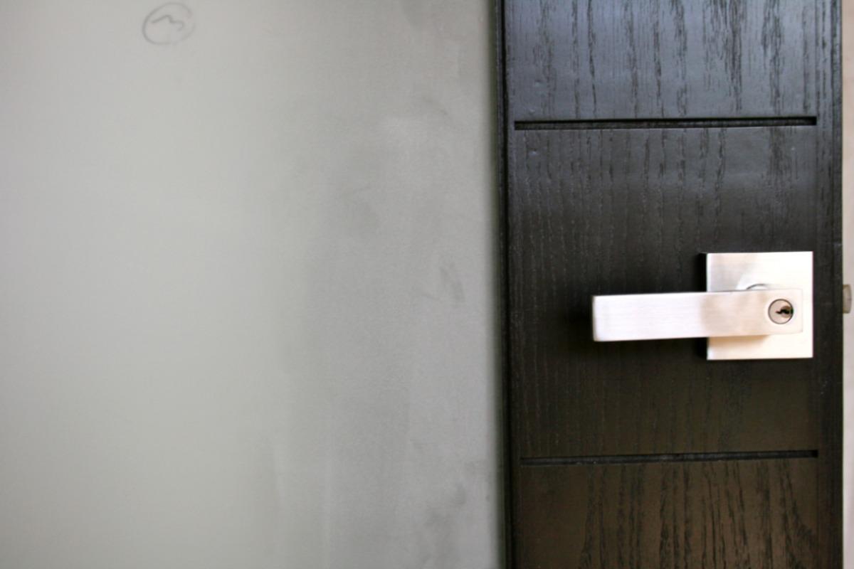Puerta para ba o en chapa sin marco for Puertas para recamara