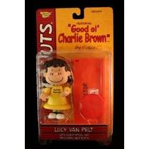 Lucy Van Pelt (amarillo Vestido Y Sonrisa Clásico) Con Heces