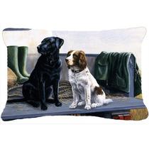 En El Portón Trasero Labrador Y Perro De Aguas Tela Almohad