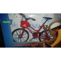 Bicicleta Metal Mujer Canasta Escala 1/6 Nueva Roja, Blanca