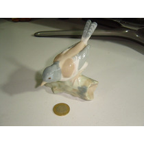 Figura De Porcelana Pájaro Canario Muy Bonita