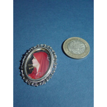 Antiguo Prendedor Sobre Metal Pintura Miniatura Fabiola