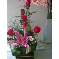 Arreglo Floral De Rosas Con Base De Madera