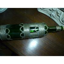 Botella Decorada Con Incrustaciones De Metal