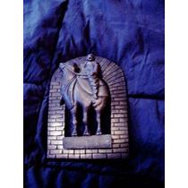 Figura De Camello En Bronce Para Puerta