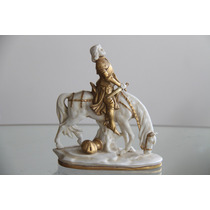 Figura De Porcela Antigua.