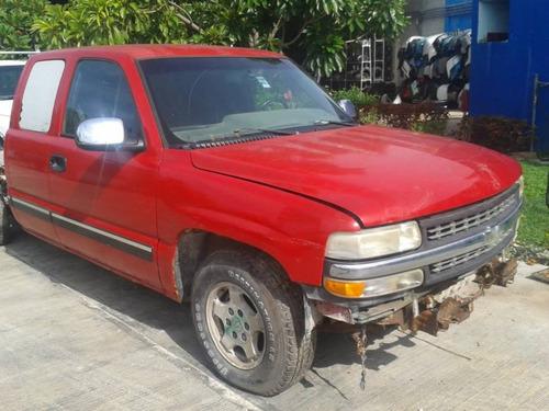 Deshueso Chevrolet Silverado Cab Y Media Piezas Impecables!!