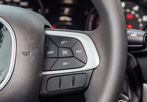 Dodge Neon Sxt2 Atx 6 Bolsas 1.6l Camara Ac Usb Abs Gps Rhc